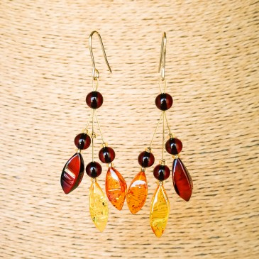 Mix color natural amber ivy earrings #02