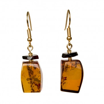 Cognac color amber earrings fragments #03