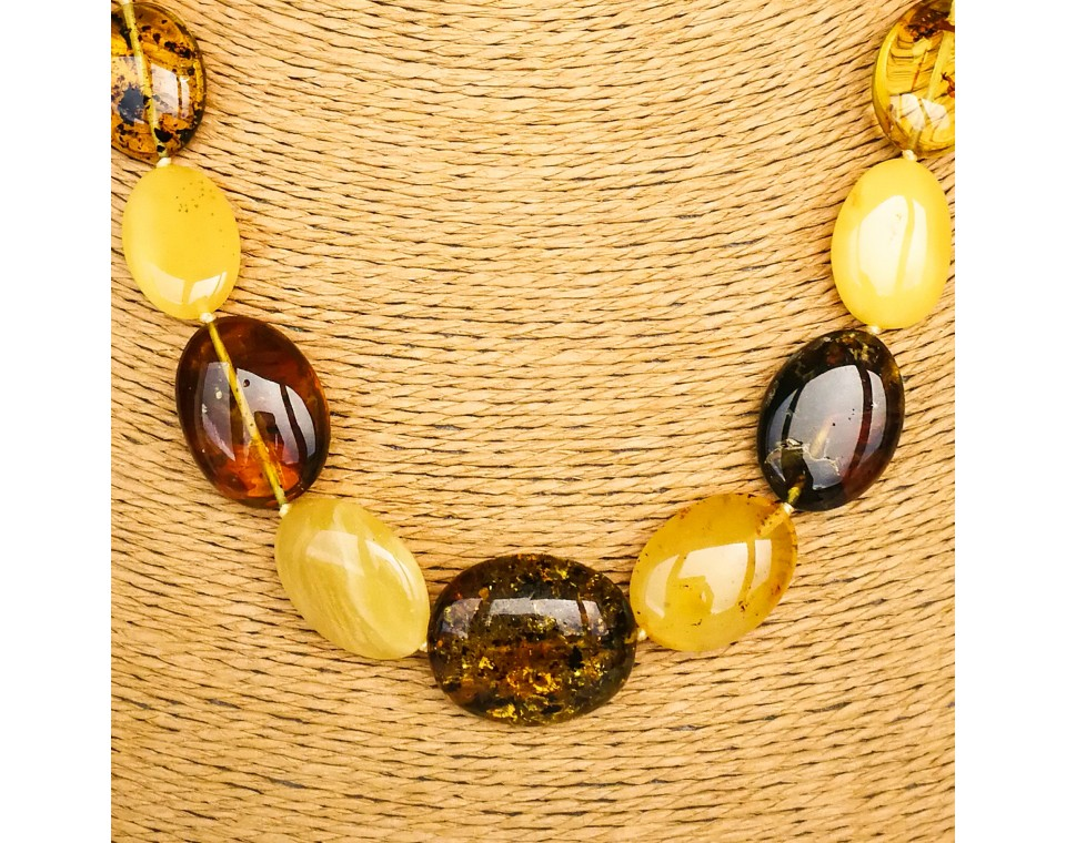 White and honey colors amber oval beads necklace