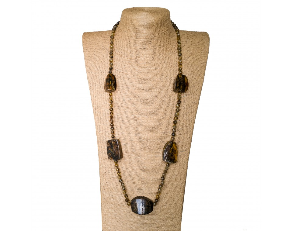 5 dark green fragments x dark beads necklace