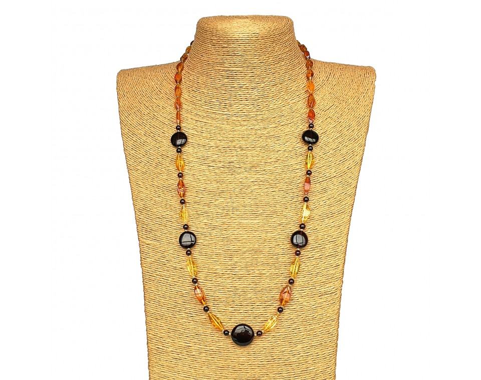 Cherry x cognac twisted long necklace