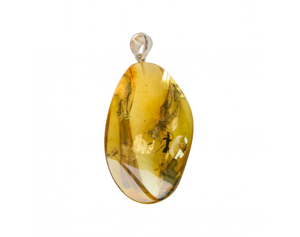 Amber pendant with inclussions #17