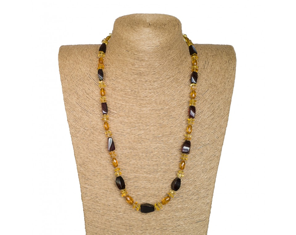 Cherry fragments x cognac faceted beads necklace