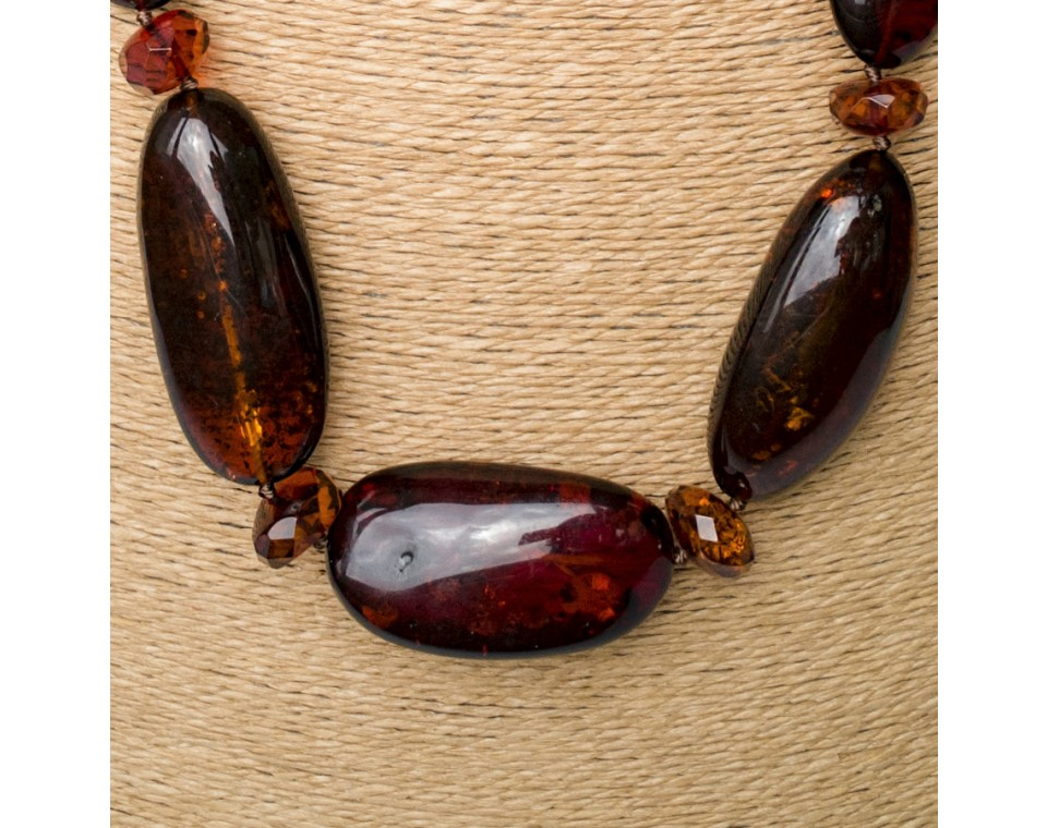 Cherry free form oval x cognac long necklace
