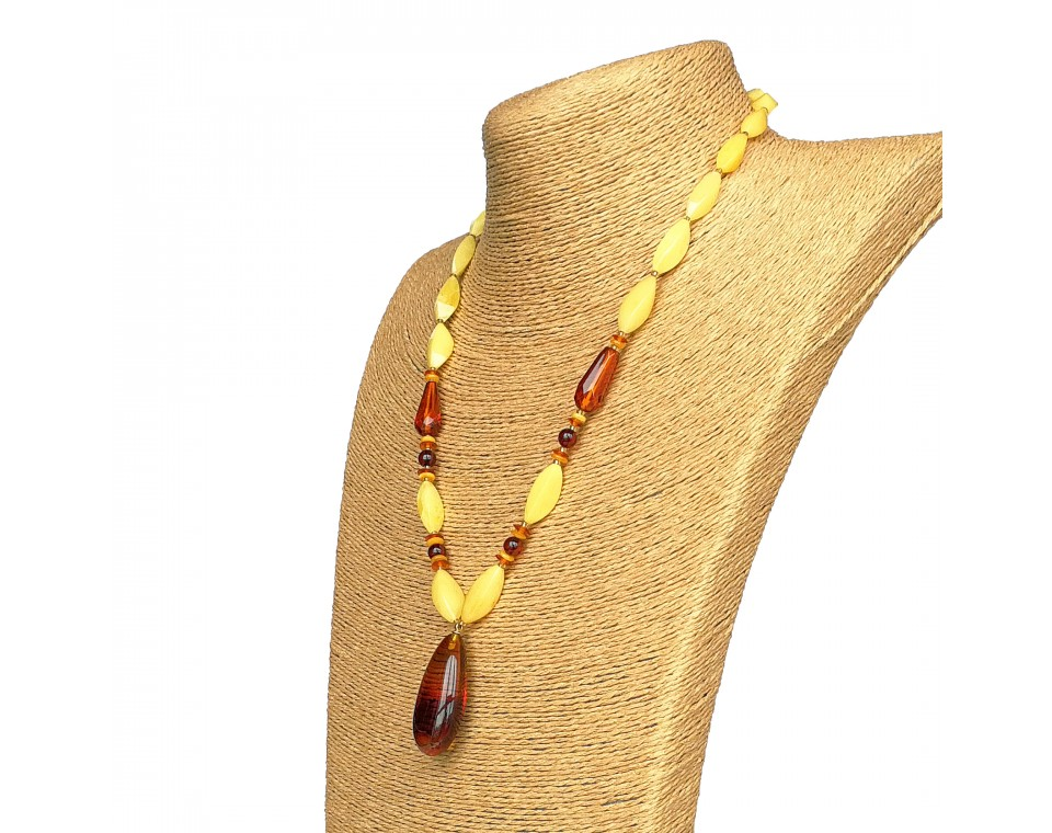 Cherry color natural amber drop pendant necklace