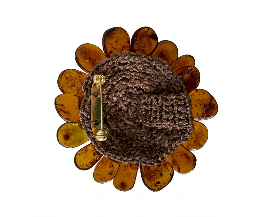 Cognac faceted flower brooch