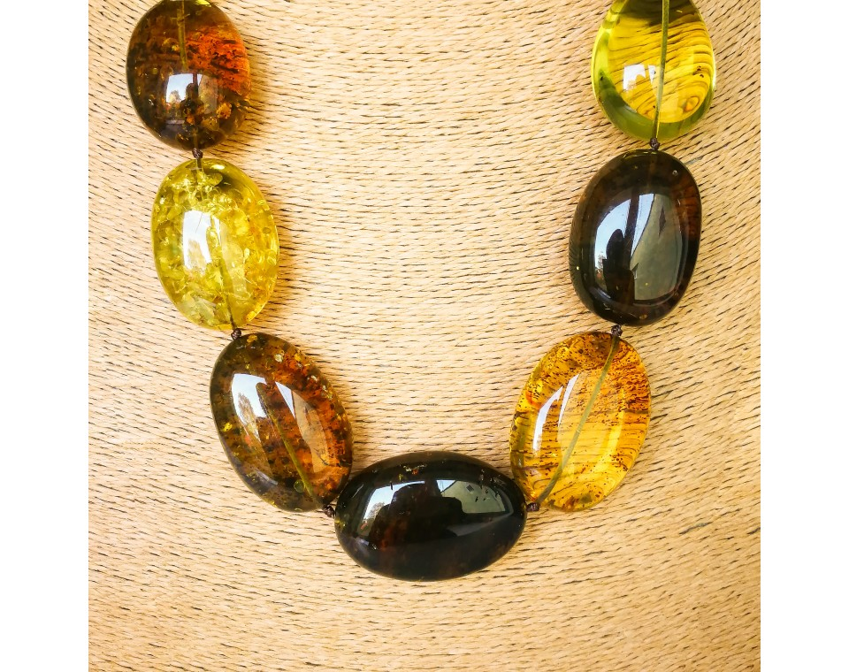 Various green colors copal massive oval beads necklace