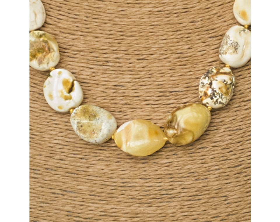 L super white baroque necklace