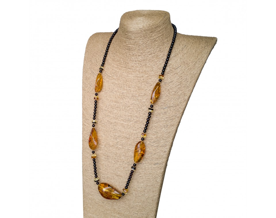 L twisted cognac x cherry beads necklace
