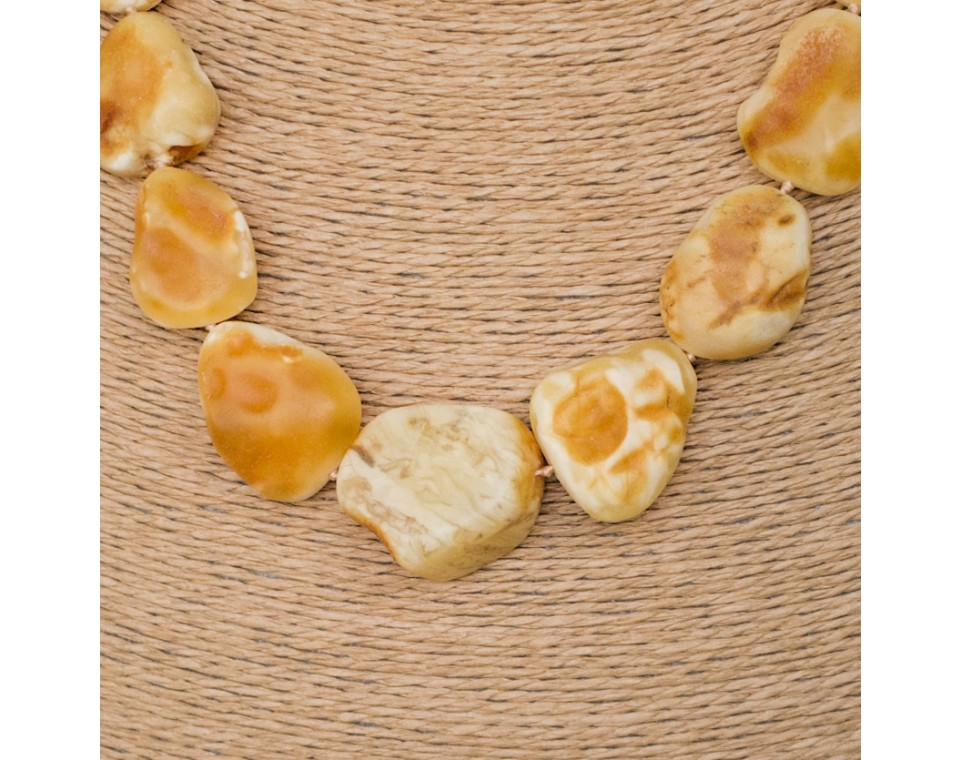 L white x yellow baroque necklace