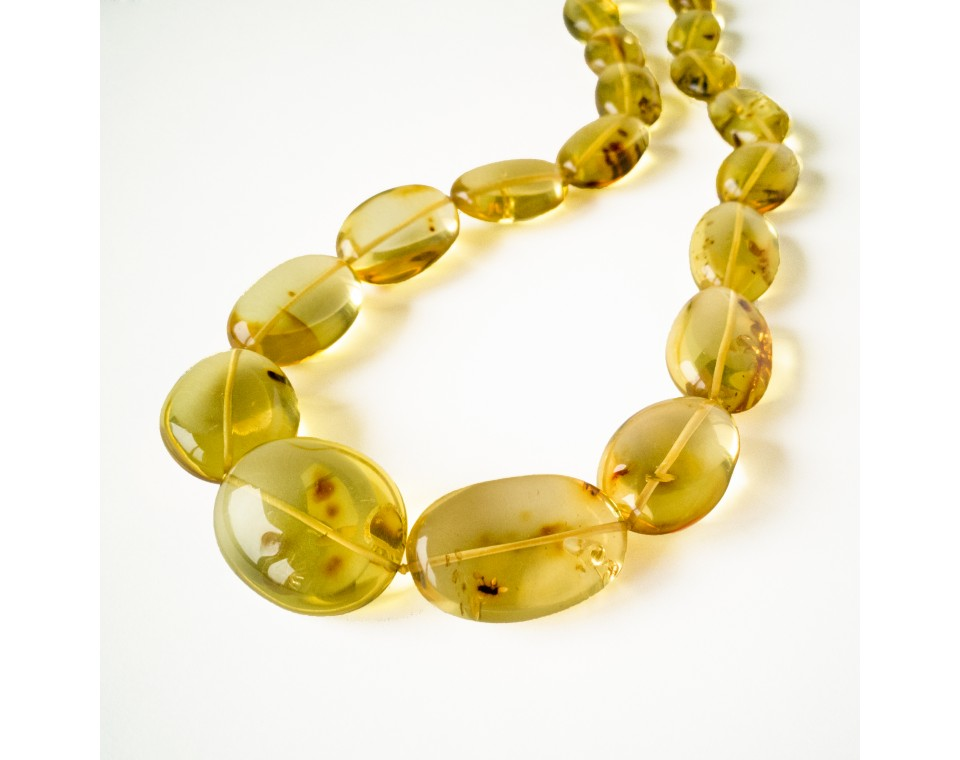 Light cognac color copal plums necklace #01