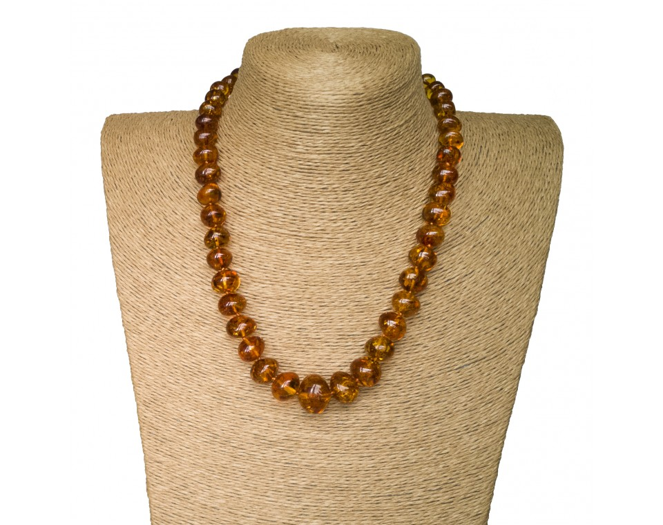 M cognac nuggets necklace