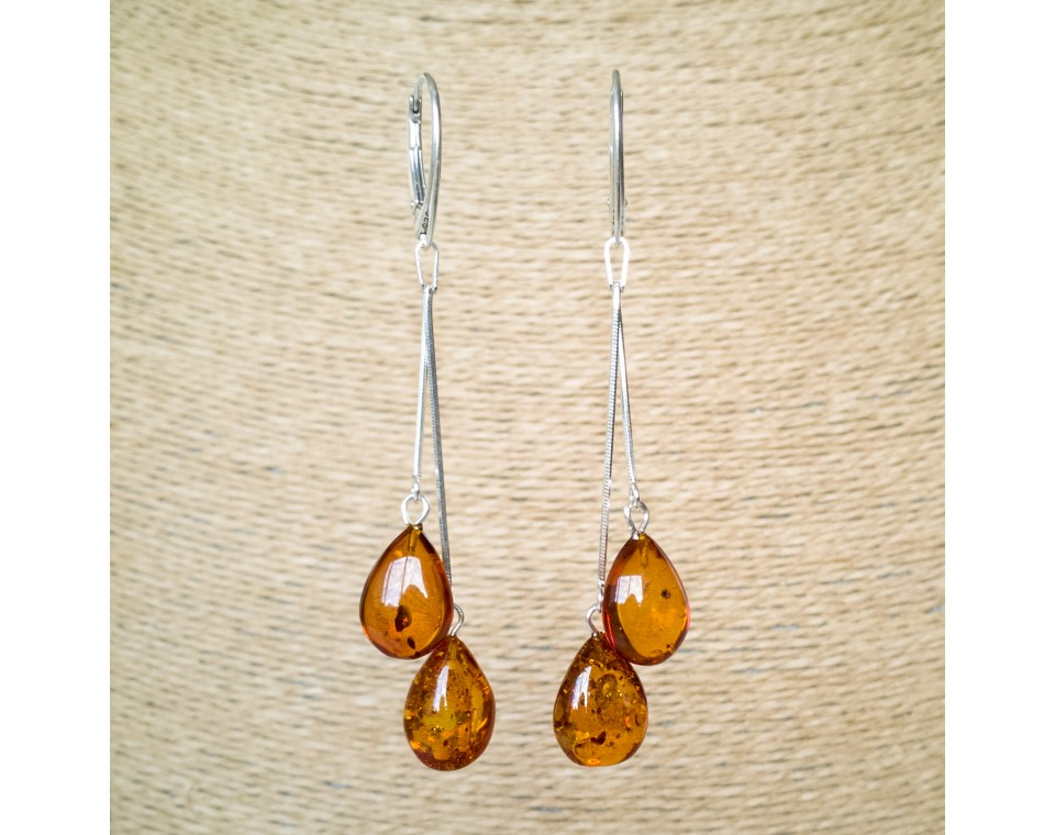 SY earrings with 2 cognac drops