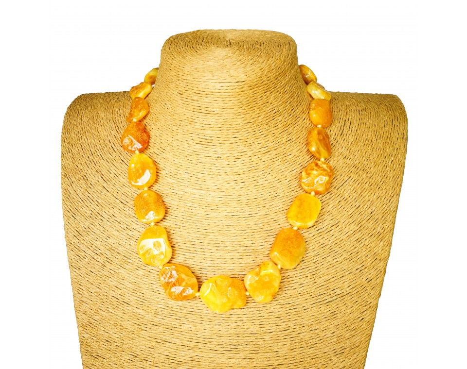 M free form caramel white necklace