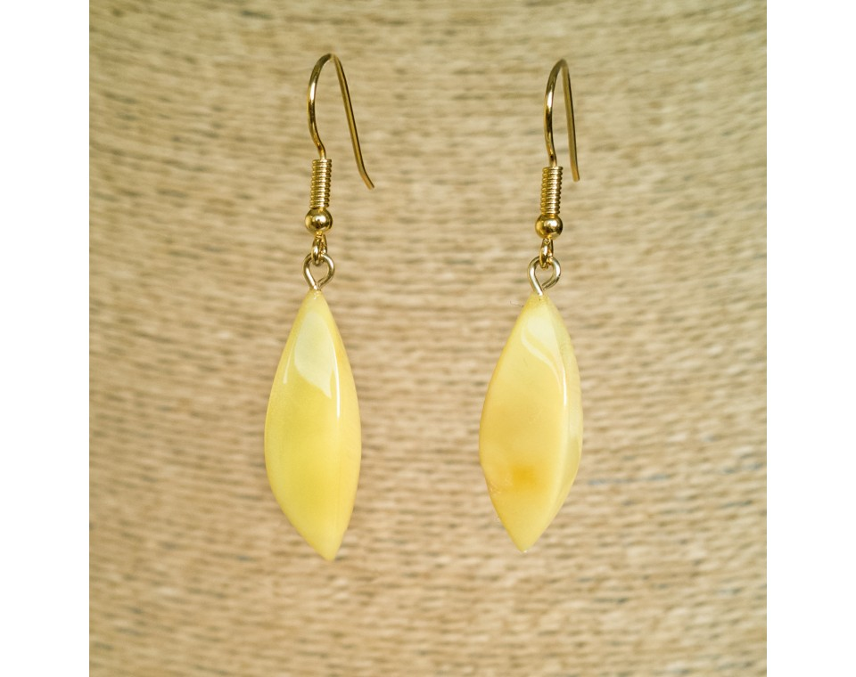 Twisted white earrings #03