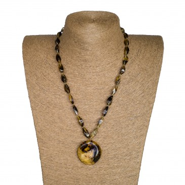 Y round green x twisted necklace