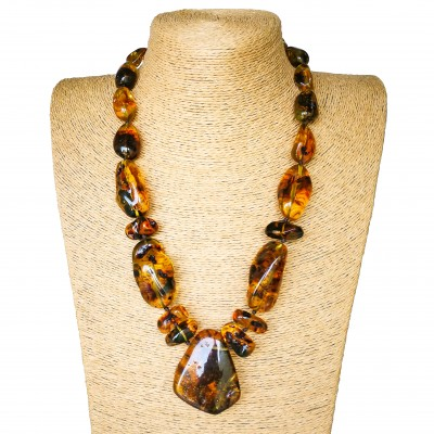 Cognac color copal necklace with 1 main stone #01