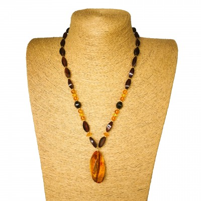 1 twisted cognac pendant x cognac beads necklace